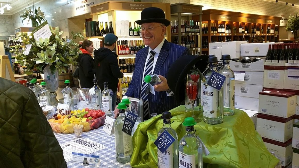 Andy Dawson - pouring Brokers Gin