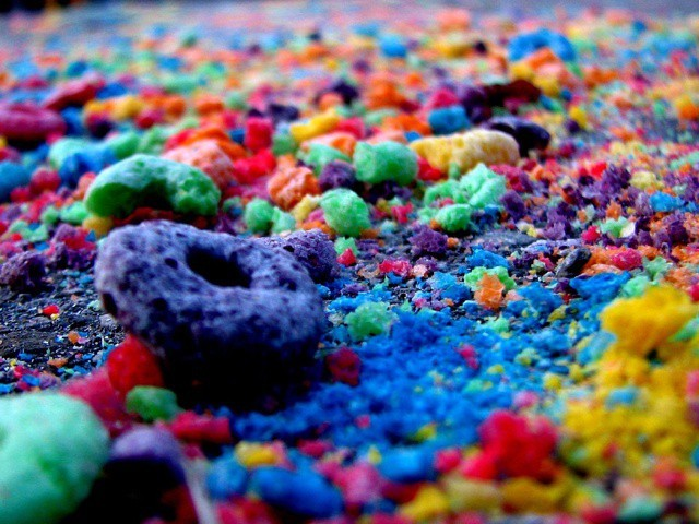 frootloops-on-the-path-lex-640x480